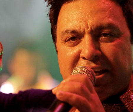 Aje Sach Nahi Dasdi Lyrics by Manmohan Waris