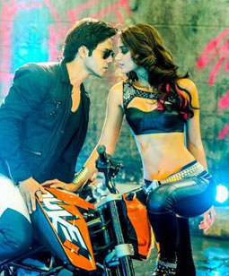 Besharmi Ki Height - Main Tera Hero