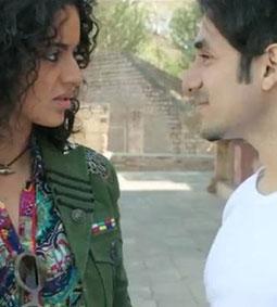 Kaafi Nahi Hai Chaand - Revolver Rani