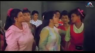 Kyon Ladkiyan Humse Video