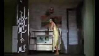 Raat Akeli Hai Video